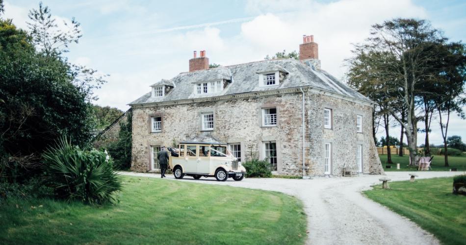Image 3: Tredudwell Manor