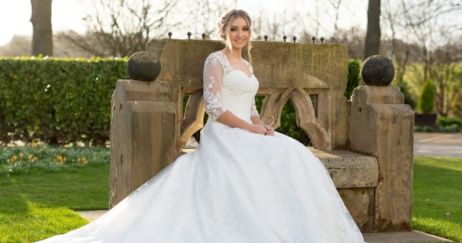 Image 2: Pretty Smithy Bridal